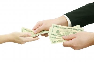 Préstamos bancarios vs. préstamos particulares